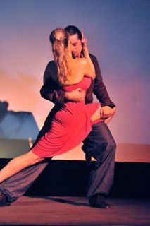 Marianne Hettinger tango performance in Liliom theatre